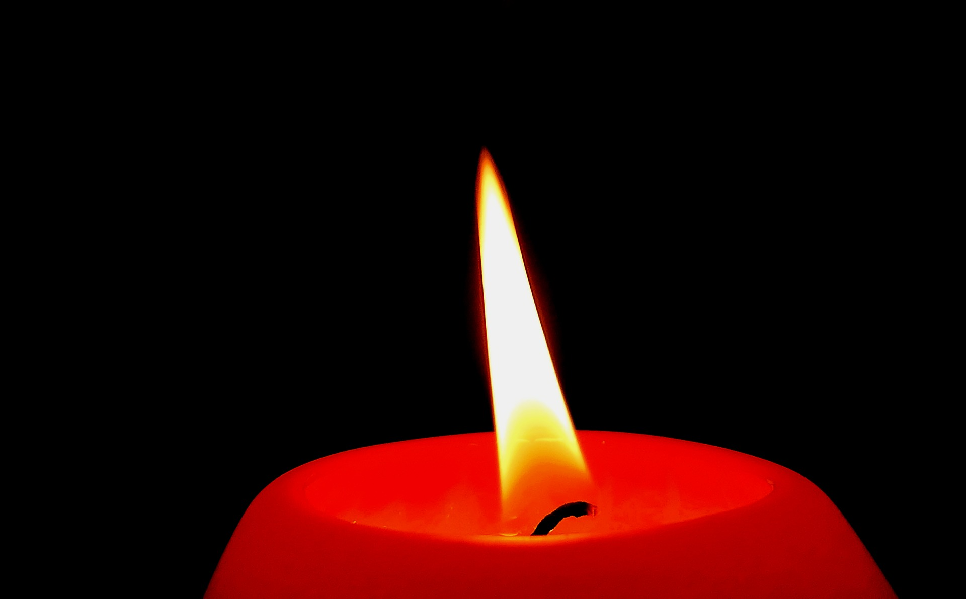 A picture of a candle burning