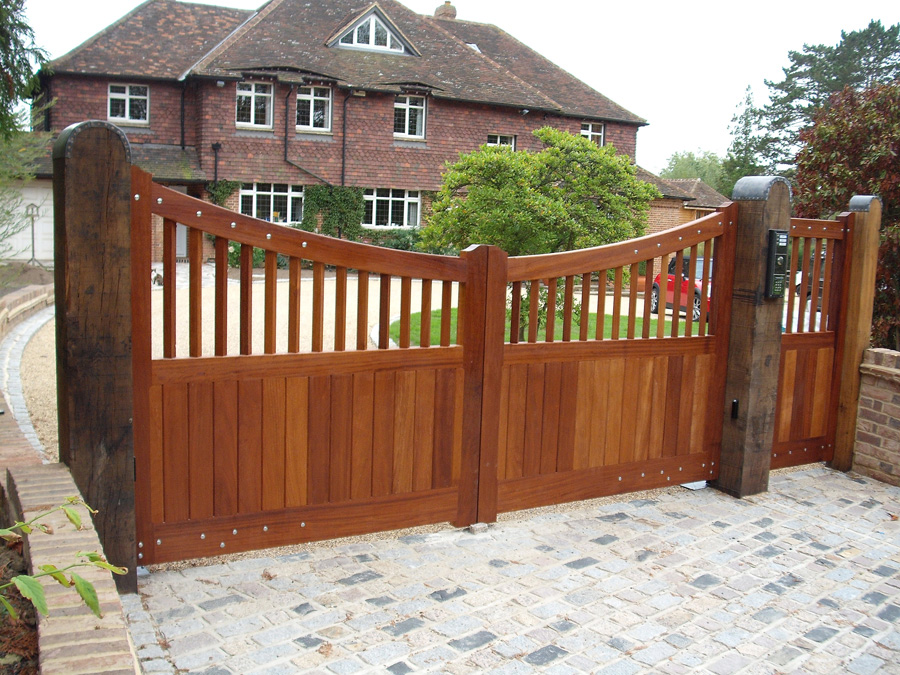 A picture of electric automatic gates