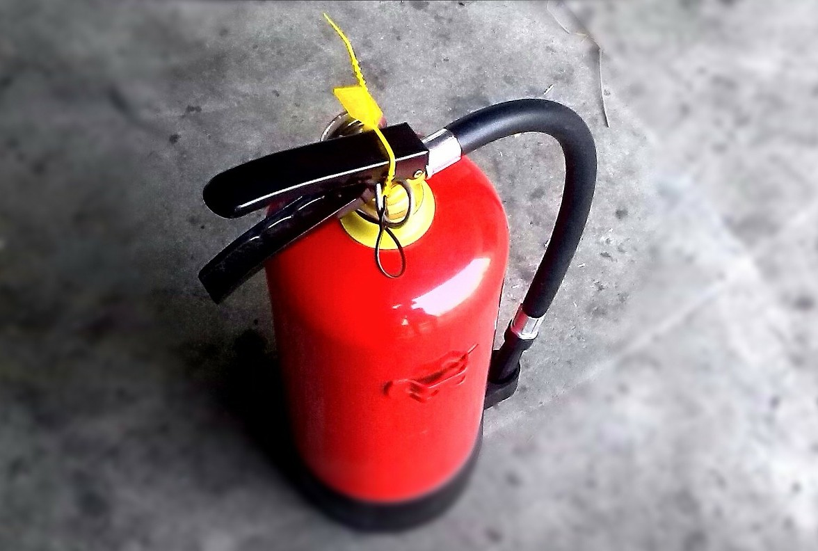 A picture of a fire extinguisher
