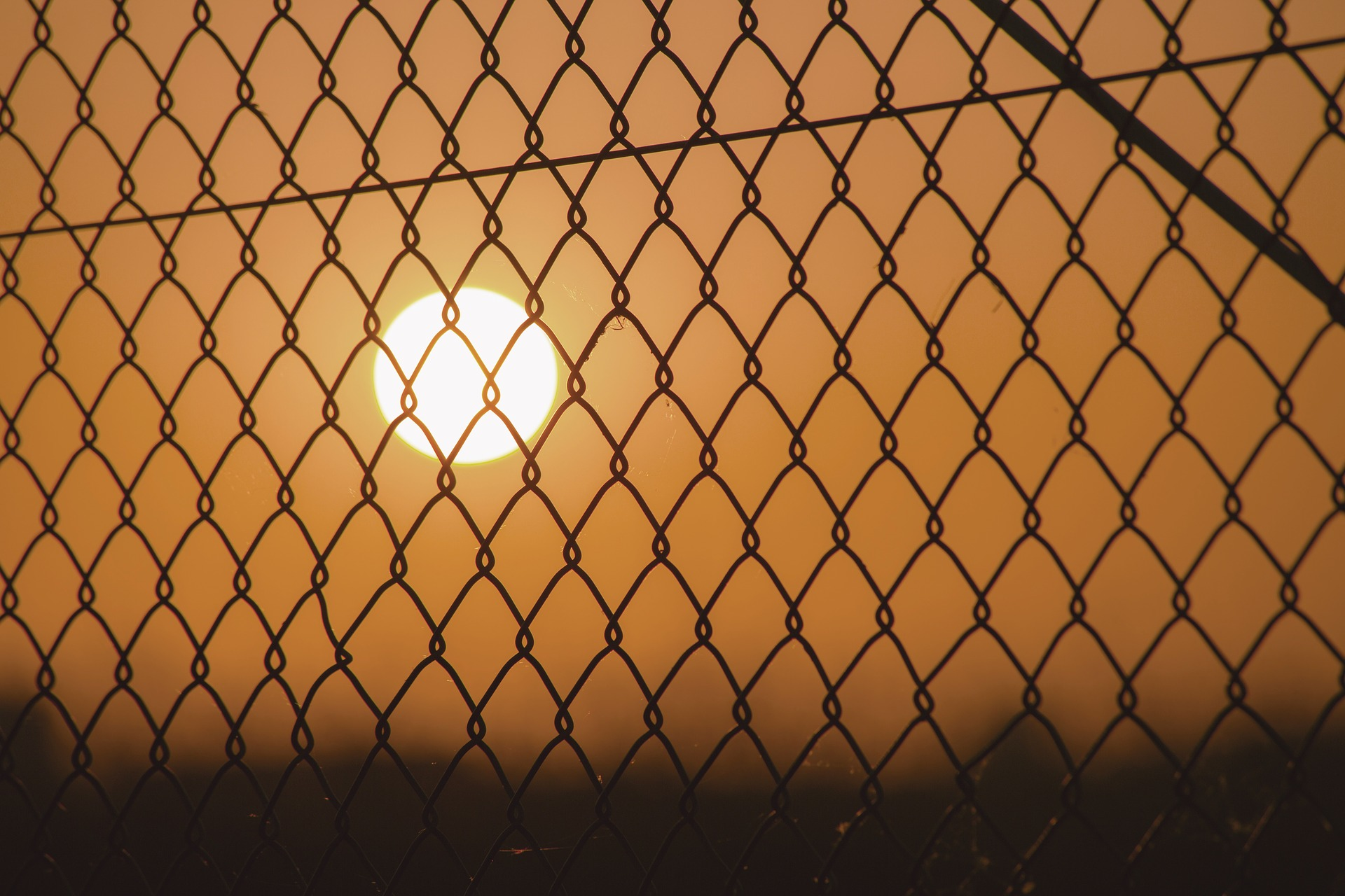 A picture chain link security fencing